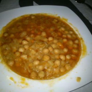Garbanzos con Col