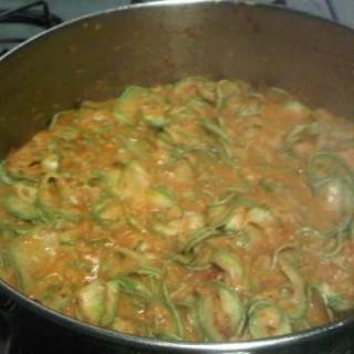 Calabacin en curry rojo